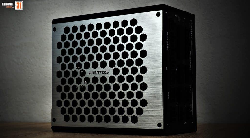 L'alimentation Phanteks revolt X utilisée dans la configuration de notre article Intel DELID 9900K : procédure, test et réel utilité
