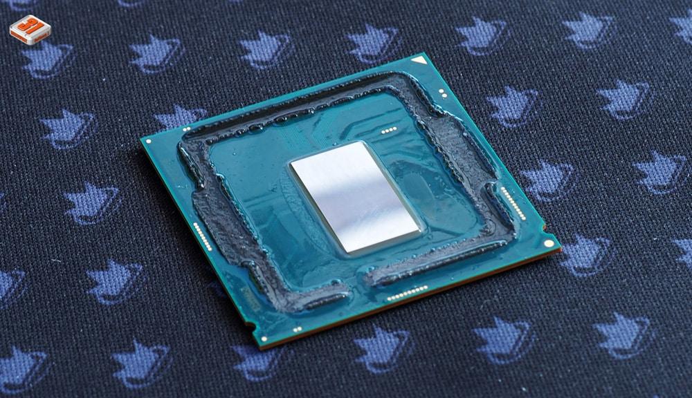 Solution numéro 1 ArctiClean afin de ramollir le silicone utilisé dans notre tutoriel DELID pour décapsuler votre processeur Intel en toute sécurité