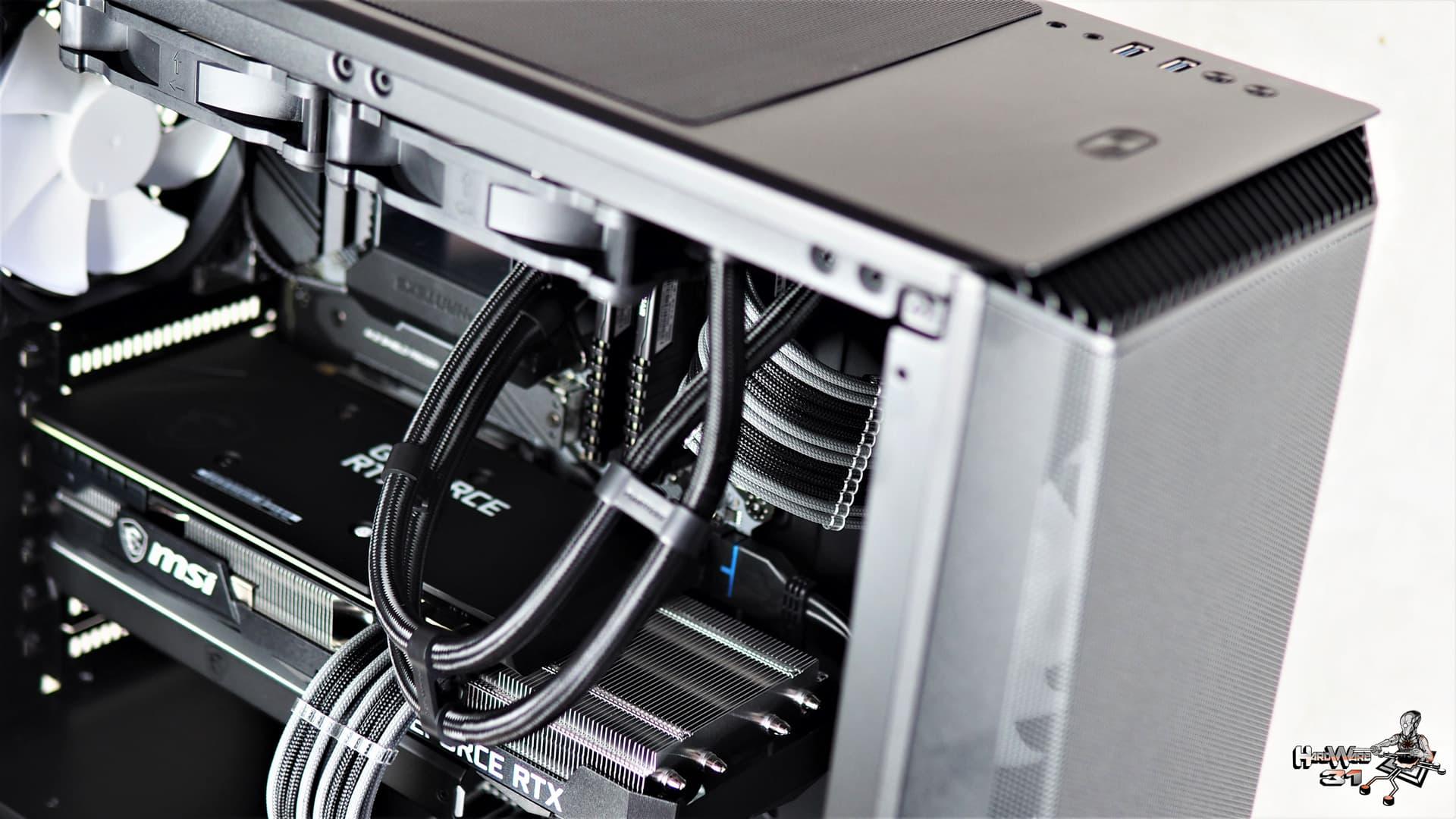 La MSI GeForce RTX 3070 Ventus 3X utilisée dans ce montage client Phanteks Eclipse P360A effectué avec le configurateur PC Hardware31